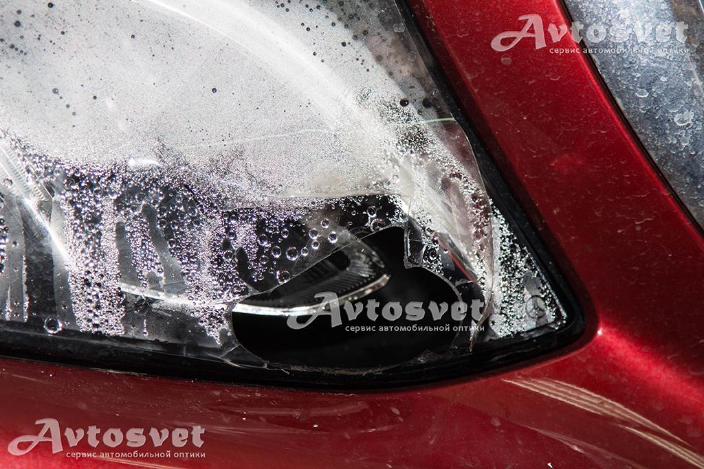Запотевание фары в следствии повреждения корпуса фары в стекле