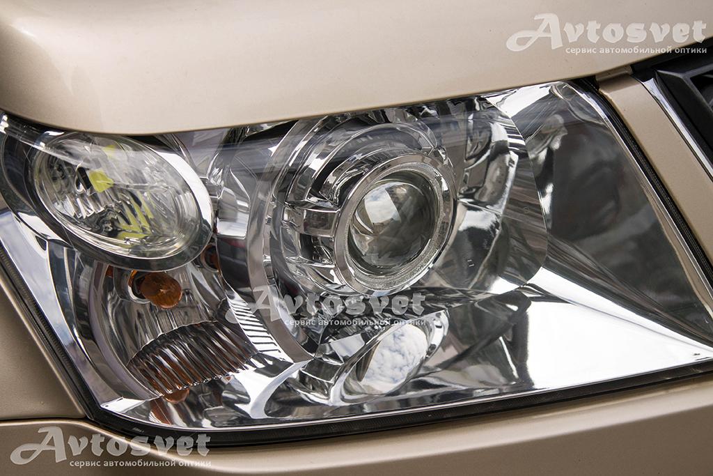 Suzuki Grand Vitara установка линз с масками Porsche Cayenne, также стёкла фар были обновлены покрытием защитного лака