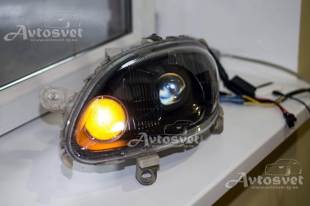 Mercedes Smart : покраска масок в чёрный, установка линз, оригинальный и неповторимый поворотник с функцией DHL, полировка фар снаружи плюс покрытие защитным лаком
