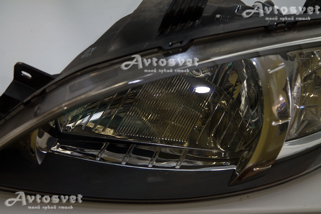 Chevrolet Lacetti Hatchback, покраска масок фар в чёрный мат и покрытие фар защитным лаком