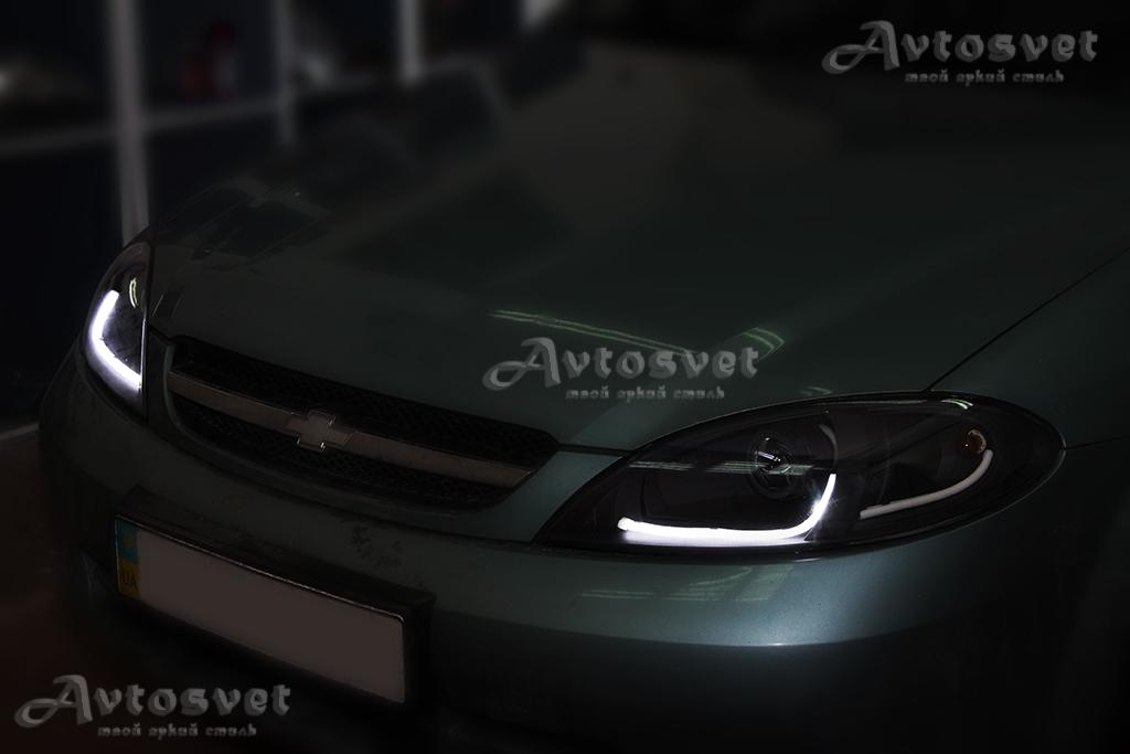 Chevrolet Lacetti. Установка линз, ДХО (гибкая светодиодная лента с двумя вариантами свечения и как ДХО и как повтор поворотника независимо друг от друга), покраска масок фар в черный мат. Оригинальная укладка гибкой светодиодной ленты.
