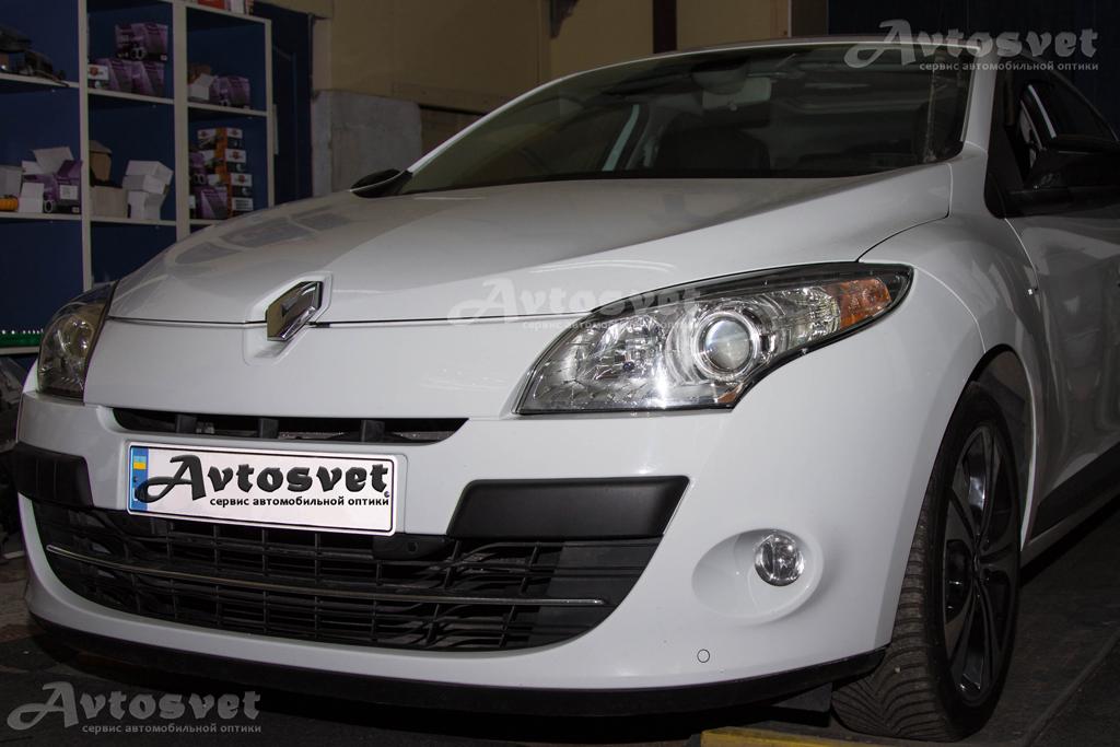 """Renault Megane установка линз 3,0"""" со светодиодными ангельскими глазками"""