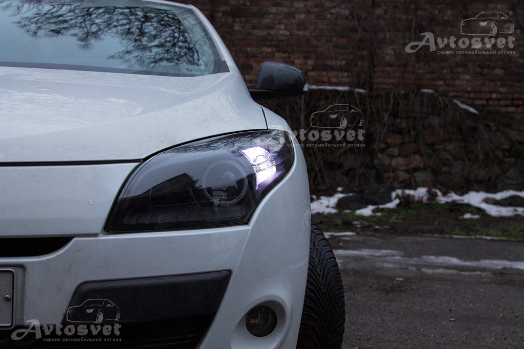 """Renault Megane установка линз 3,0"""" с масками Led Cree, покраска масок в комбинированные цвета, полировка лакового покрытия"""